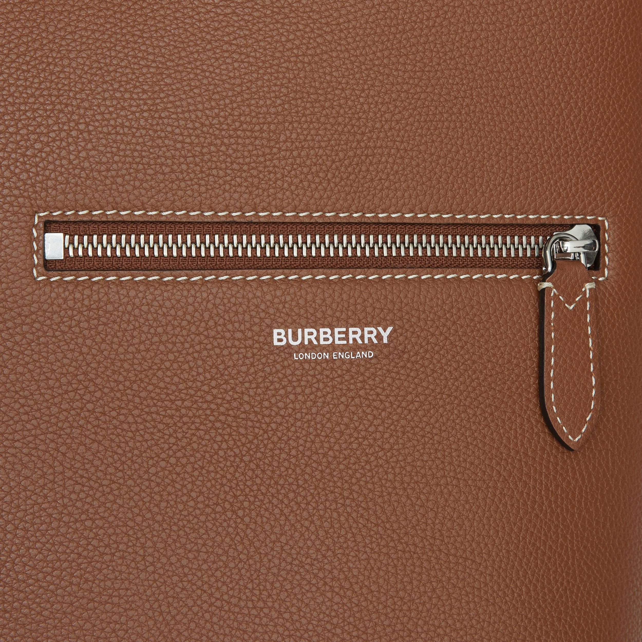 Grainy Leather Tote in Tan | Burberry - 2