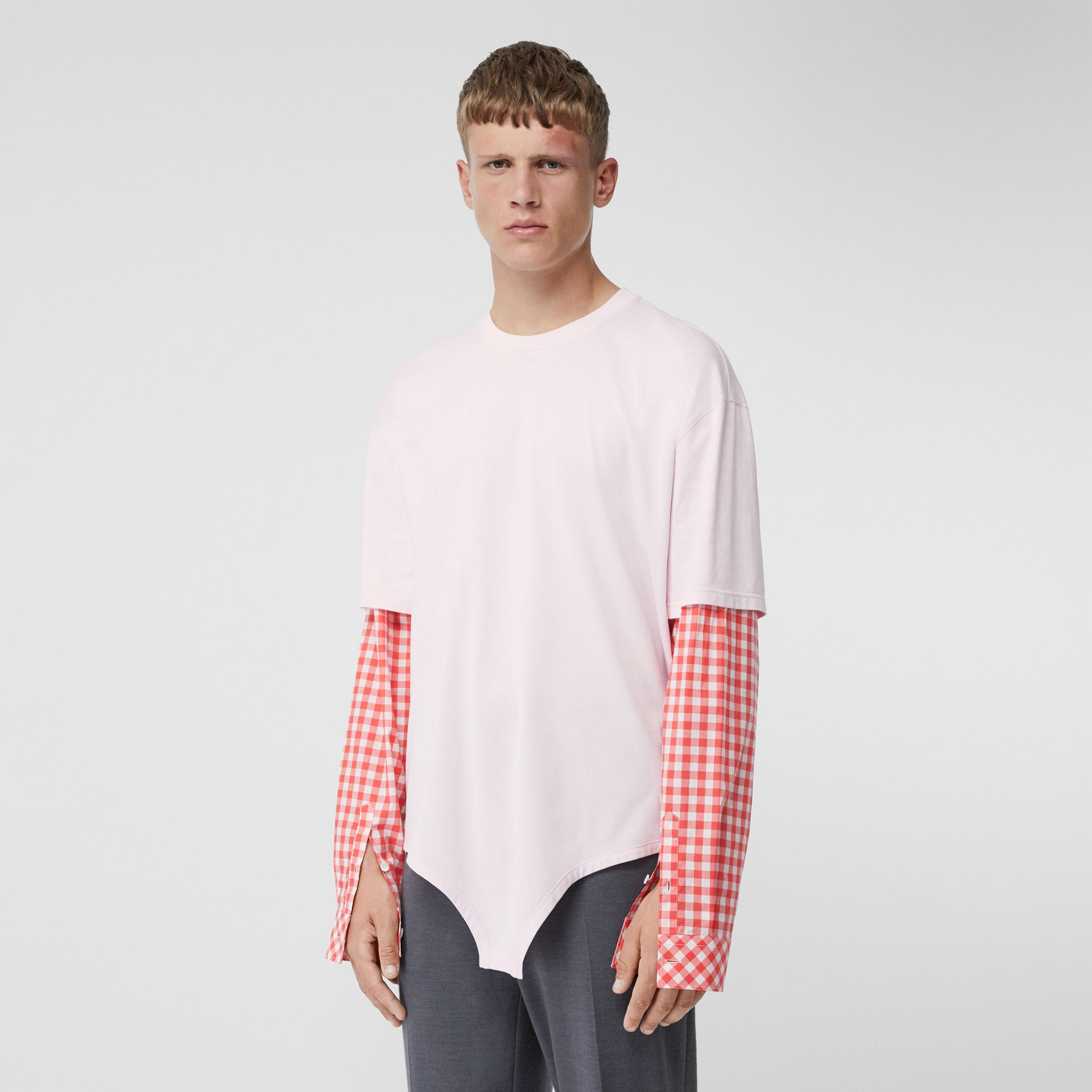 Gingham Sleeve Cut-out Hem Cotton Oversized T-shirt in Pale Pink | Burberry - gallery image 0