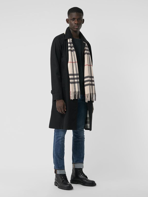 The Classic Check Cashmere Scarf in Stone | Burberry United Kingdom - cell image 3