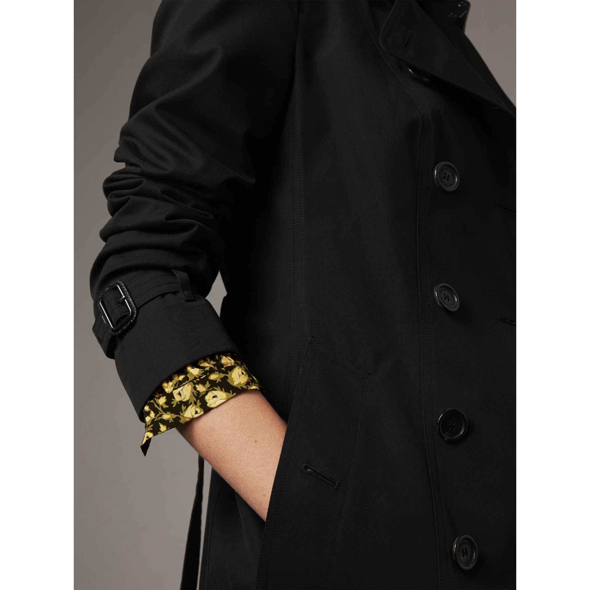 The Sandringham – Mid-Length Heritage Trench Coat in Black - Women | Burberry - gallery image 7