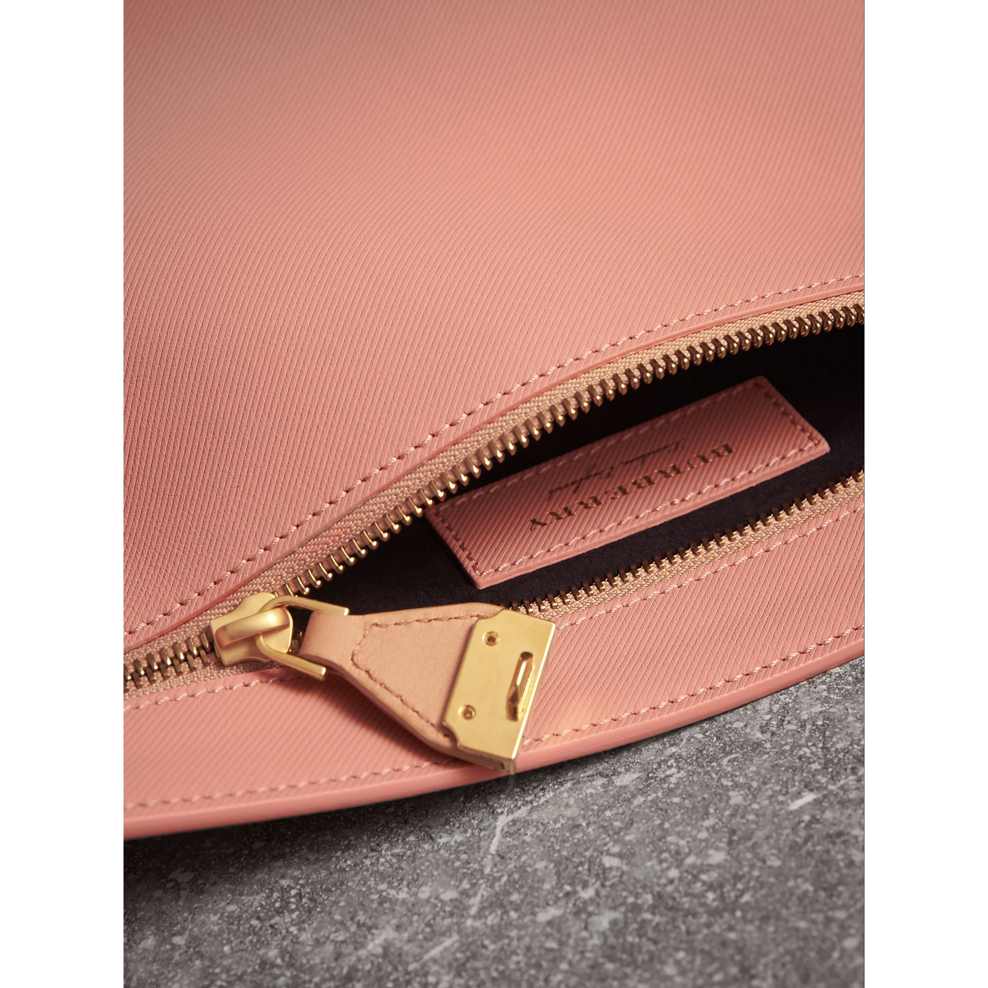 Two-tone Trench Leather Wristlet Pouch in Ash Rose/pale Clementine - Women | Burberry United Kingdom - gallery image 4