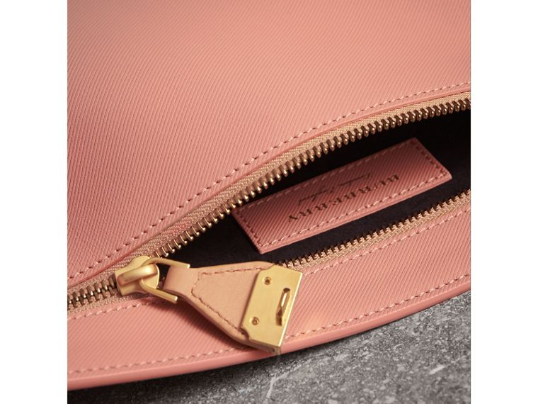 Two-tone Trench Leather Wristlet Pouch in Ash Rose/pale Clementine - Women | Burberry United Kingdom - cell image 4