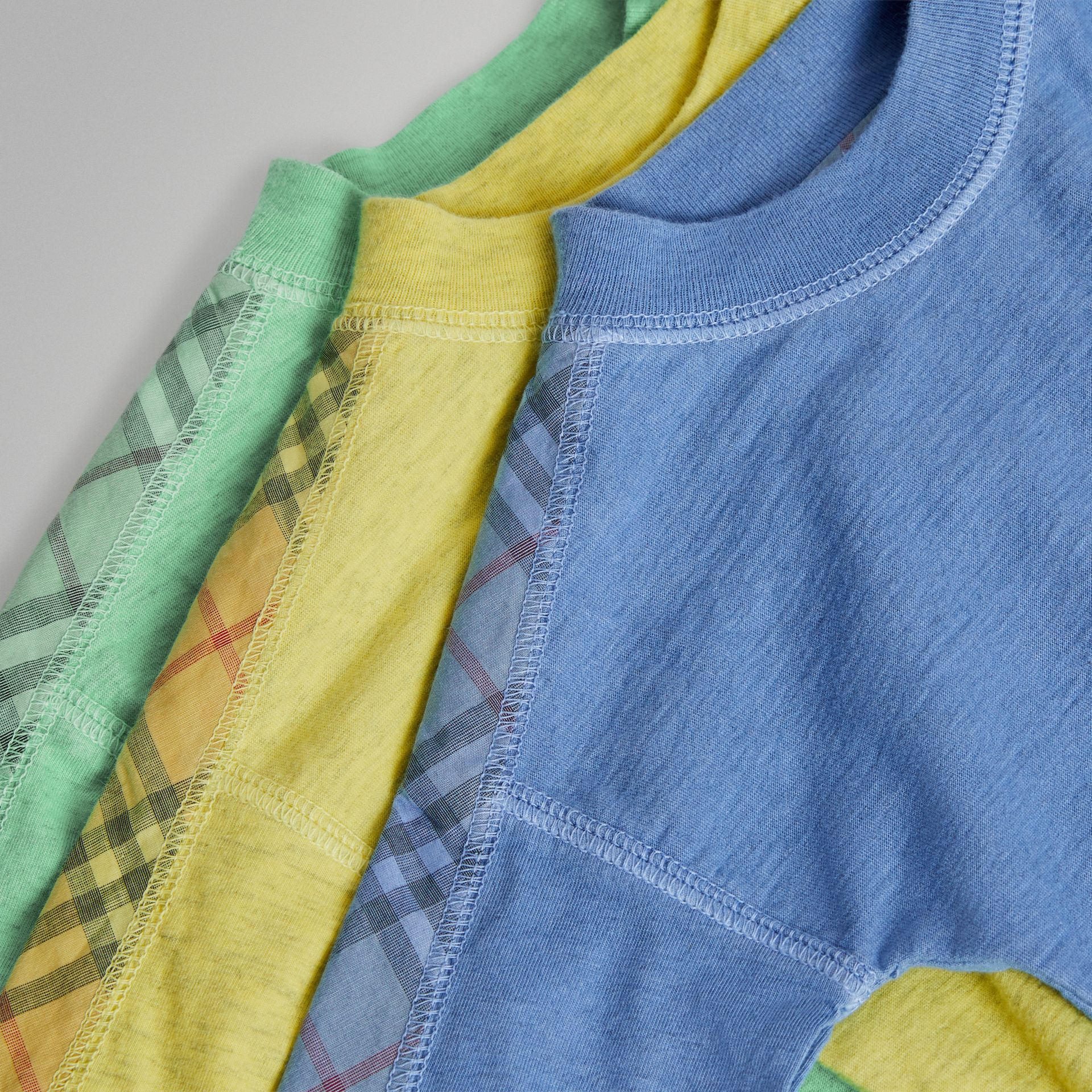 Check Cotton Three-piece Baby Gift Set in Multicolour - Children | Burberry - gallery image 1