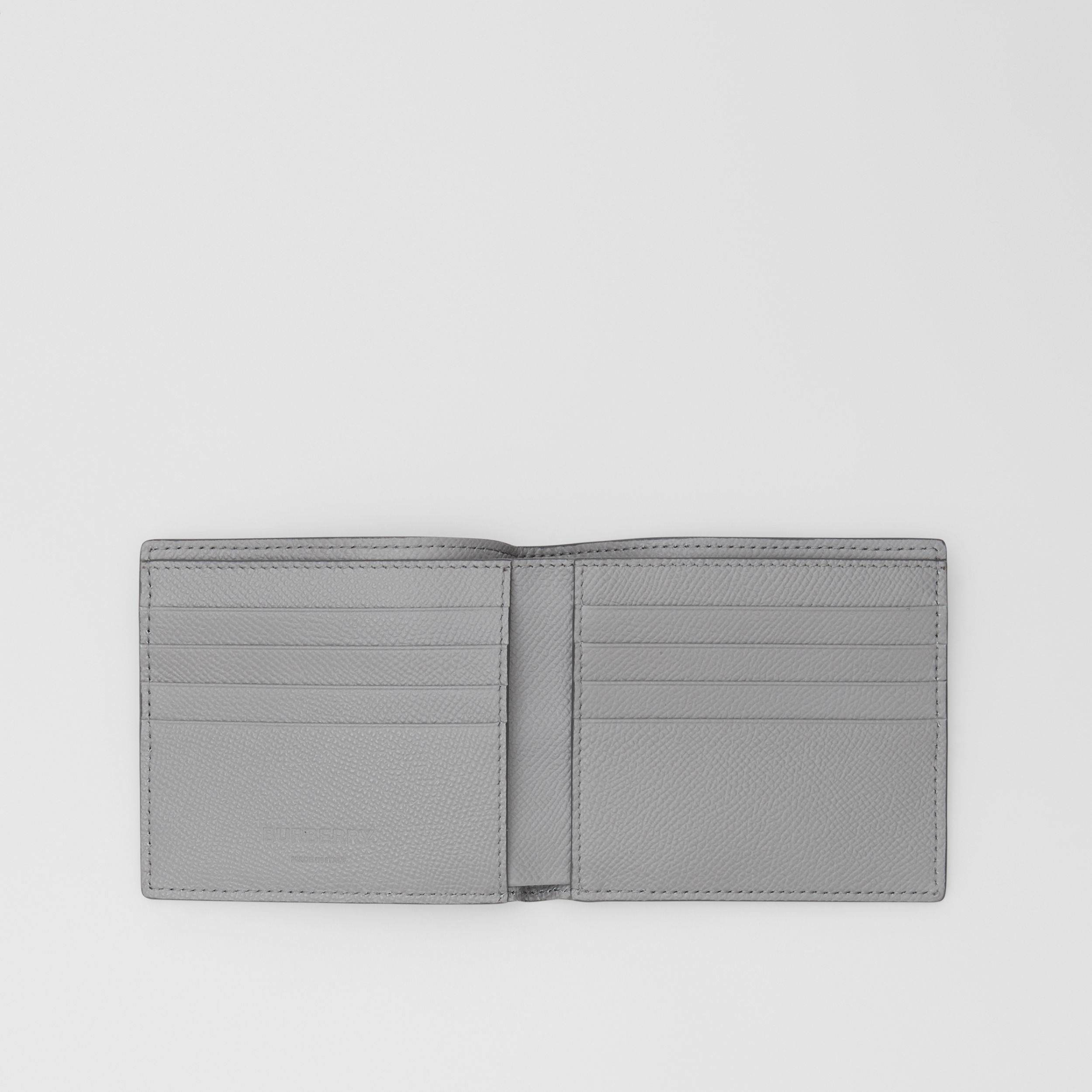 Grainy Leather International Bifold Wallet in Cloud Grey - Men | Burberry - 3
