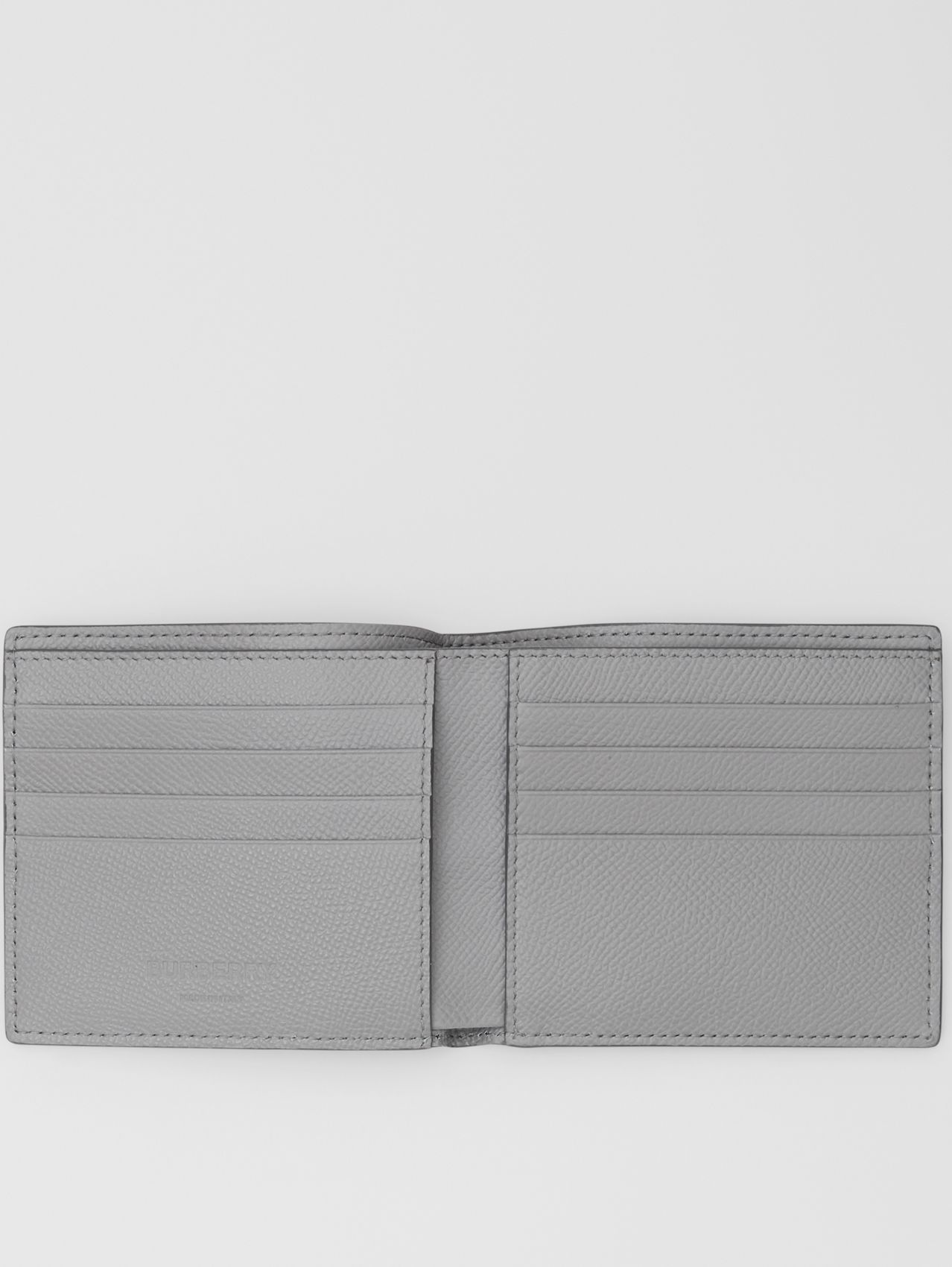 Grainy Leather International Bifold Wallet (Cloud Grey)