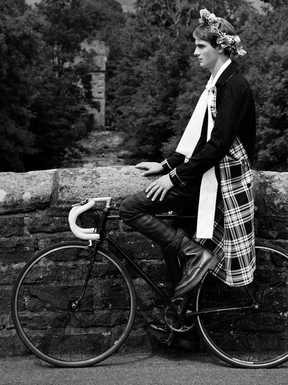 Abrigo tres cuartos reversible en algodón de gabardina y lana a cuadros escoceses