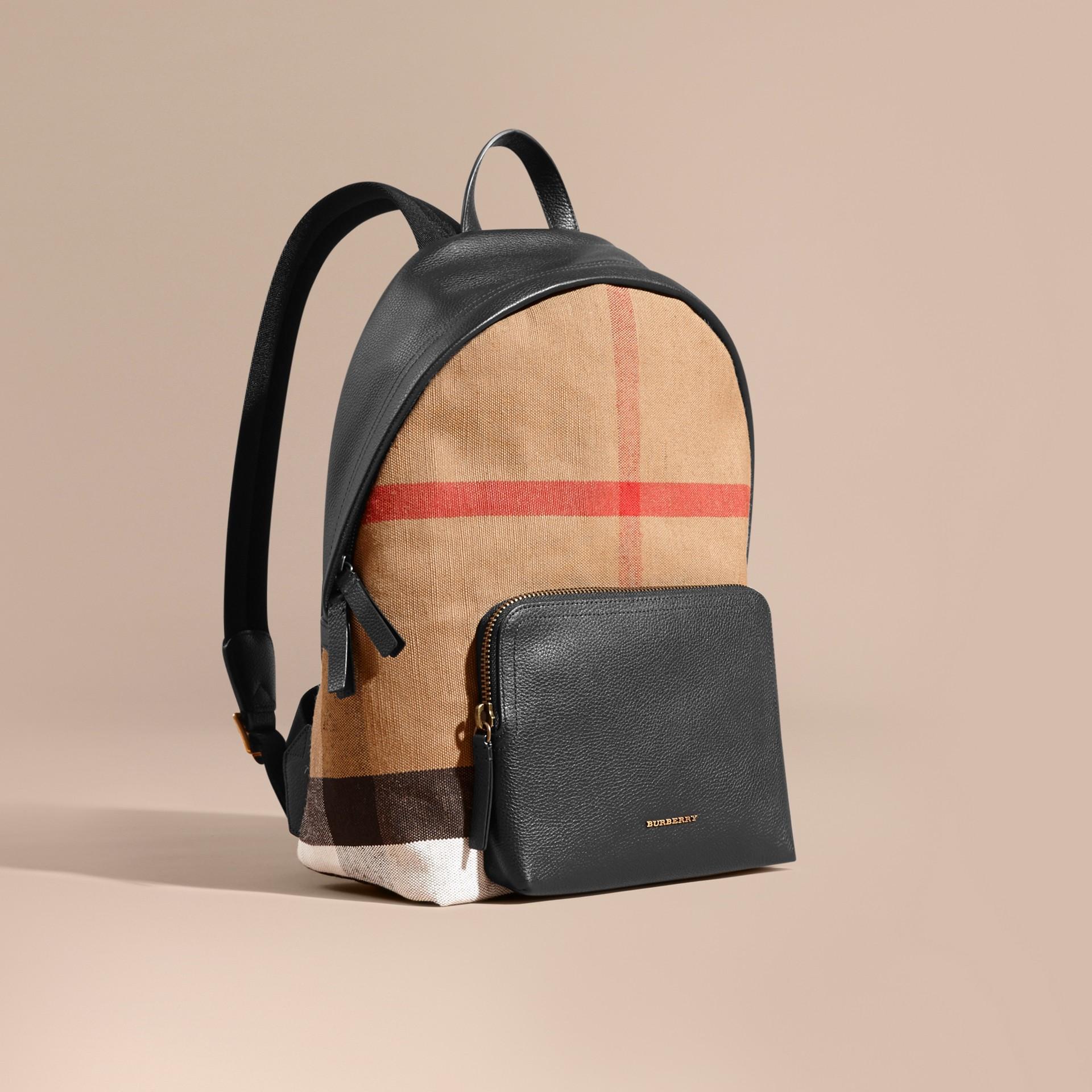 Schwarz Rucksack aus Canvas Check-Gewebe mit Lederbesatz - Galerie-Bild 1