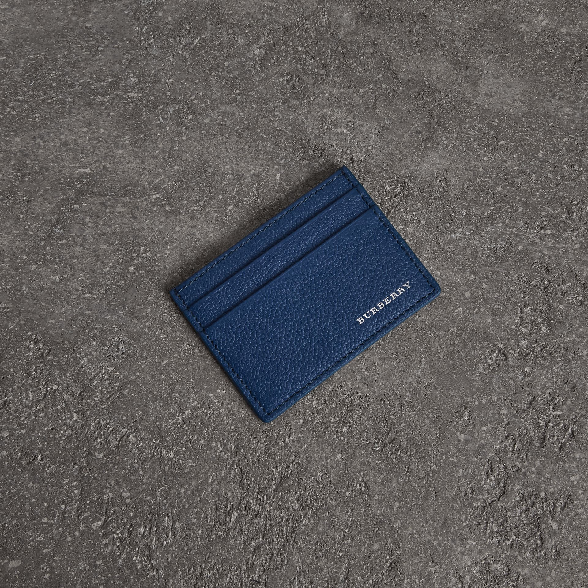 Porte-cartes en cuir grainé (Ultramarine Vif) | Burberry Canada - photo de la galerie 0