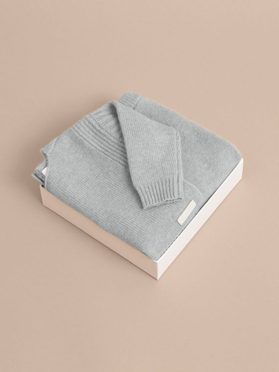 Cashmere Two-piece Baby Gift Set in Pale Mint | Burberry - cell image 3