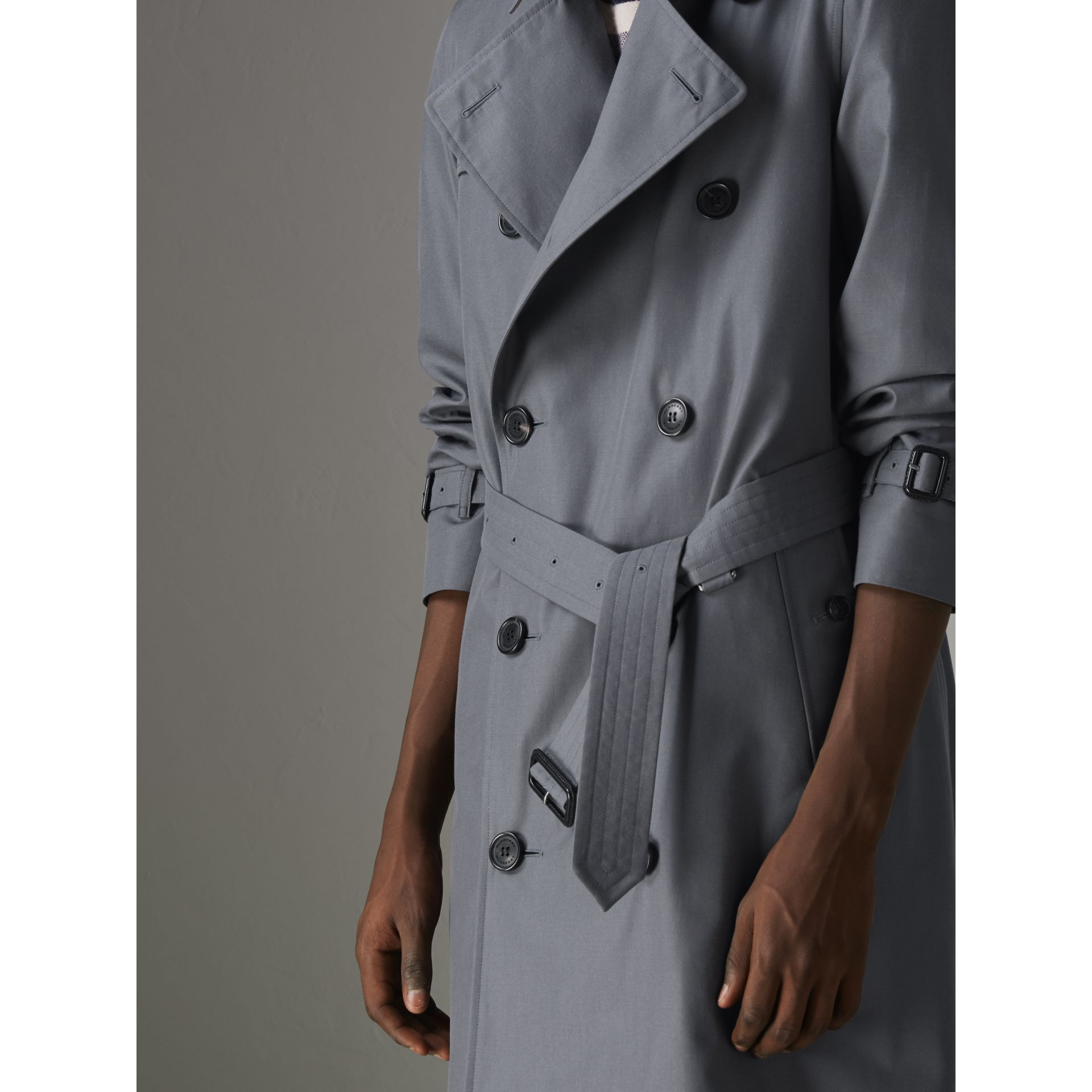 The Chelsea Heritage Trench Coat in Mid Grey - Men | Burberry - gallery image 5