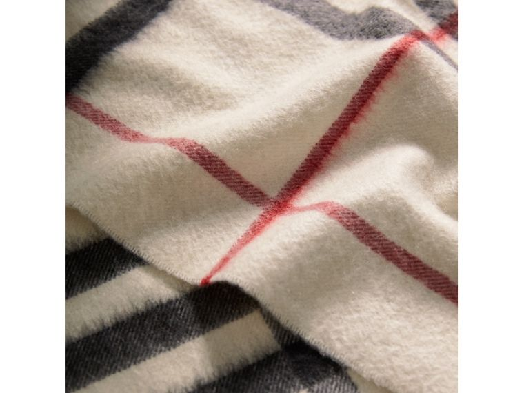 The Classic Cashmere Scarf in Check in White - Women | Burberry - cell image 2