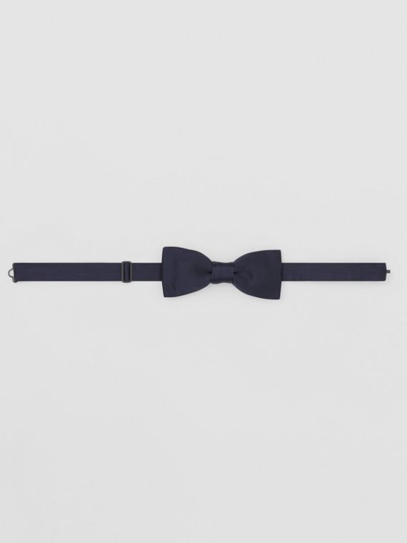 Silk Satin Bow Tie in Navy