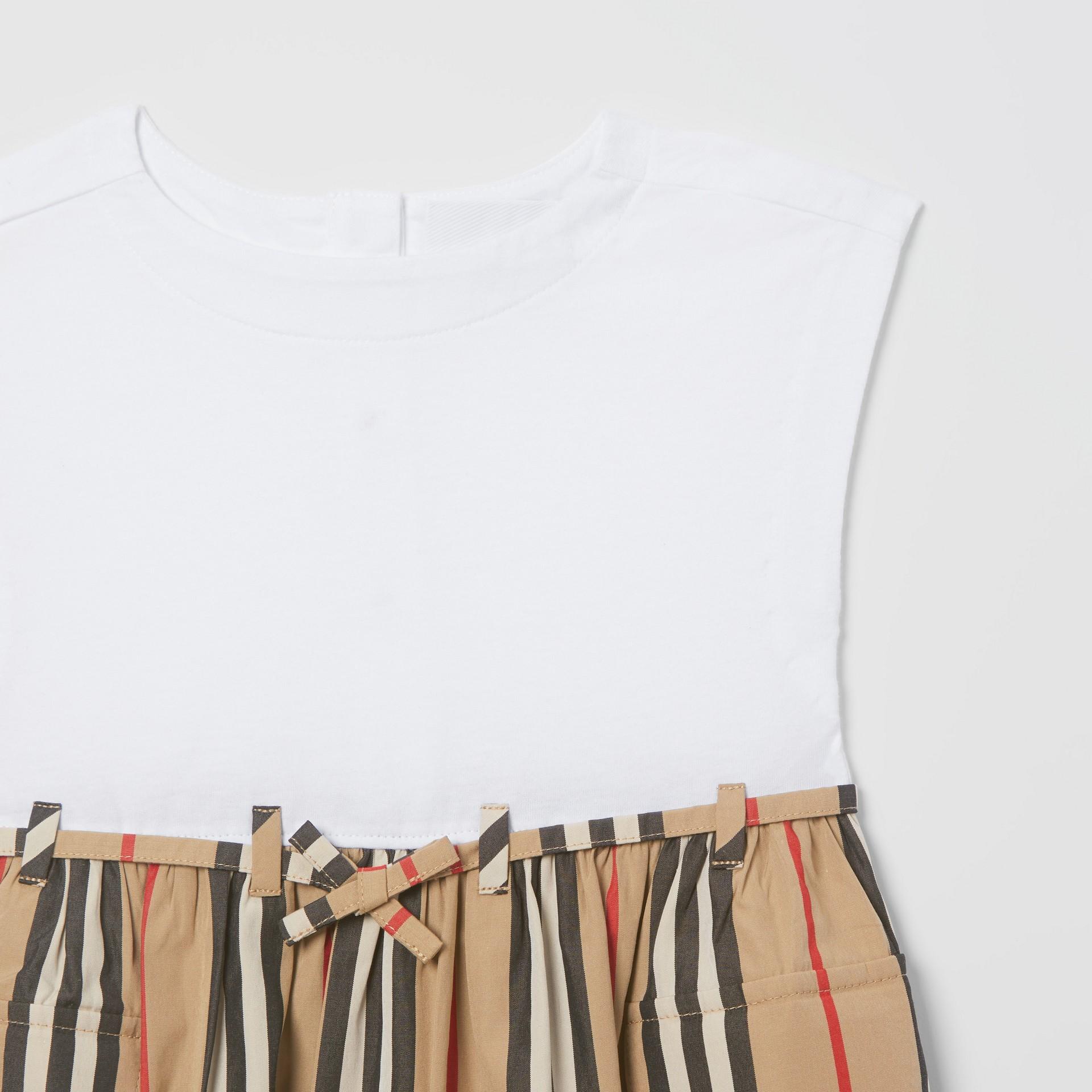 Vestido de algodão com listras icônicas (Branco/bege Clássico) - Crianças | Burberry - galeria de imagens 4