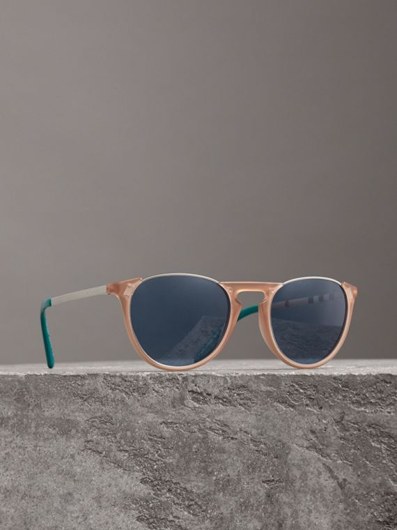 Keyhole Pilot Round Frame Sunglasses in Nude
