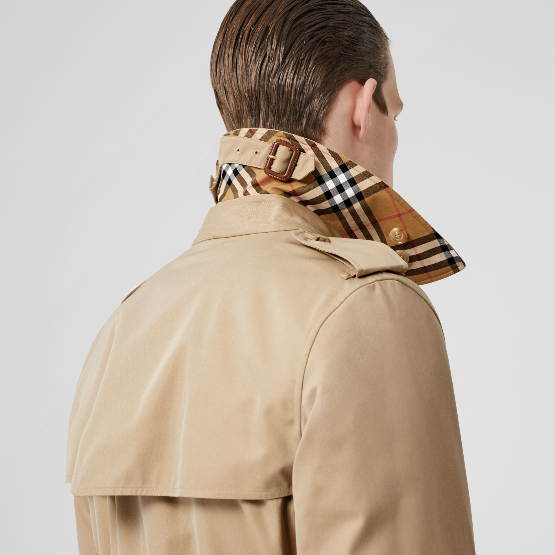 The Long Kensington Heritage Trench Coat in Honey - Men | Burberry United Kingdom - gallery image 5