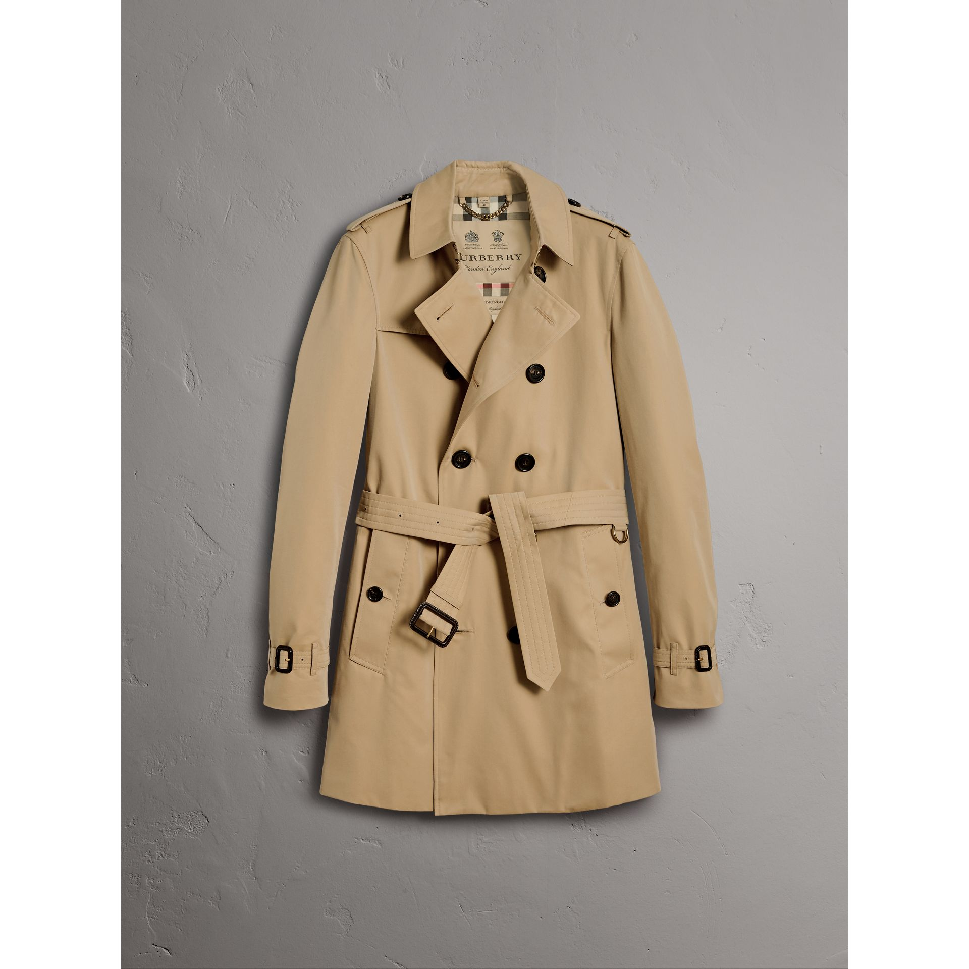 The Chelsea – Mid-length Trench Coat in Honey - Men | Burberry United Kingdom - gallery image 4