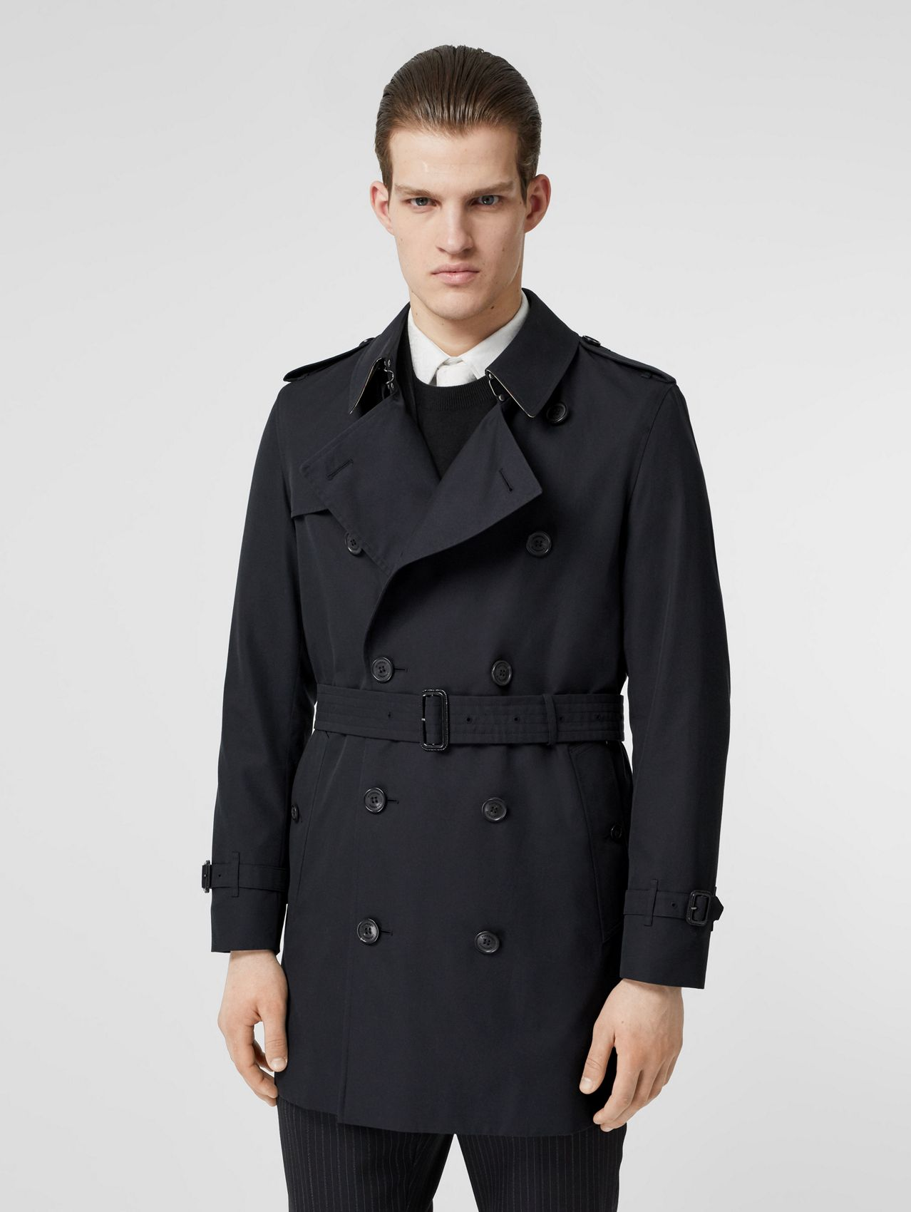 The Short Wimbledon Trench Coat in Midnight Navy
