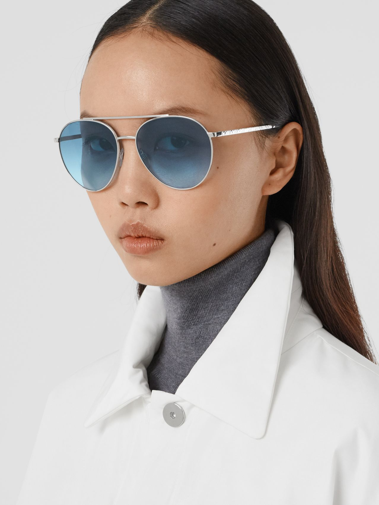 Pilot Sunglasses in Pale Blue
