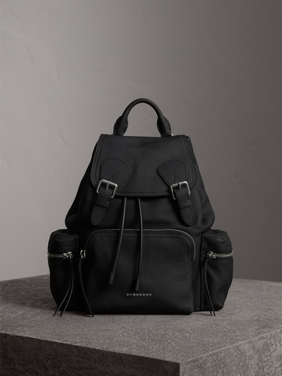 Zaino The Rucksack medio in pelle di cervo con catena in resina (Nero)