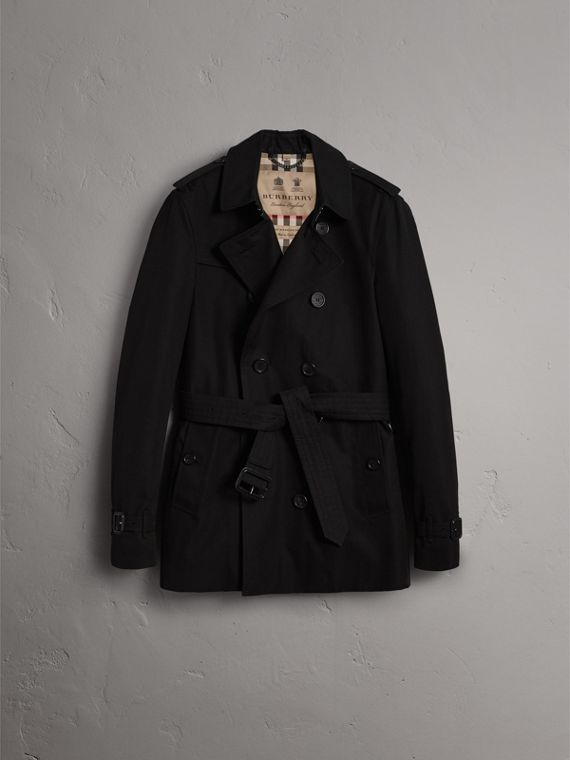 The Chelsea – Short Heritage Trench Coat in Black - Men | Burberry Canada - cell image 3