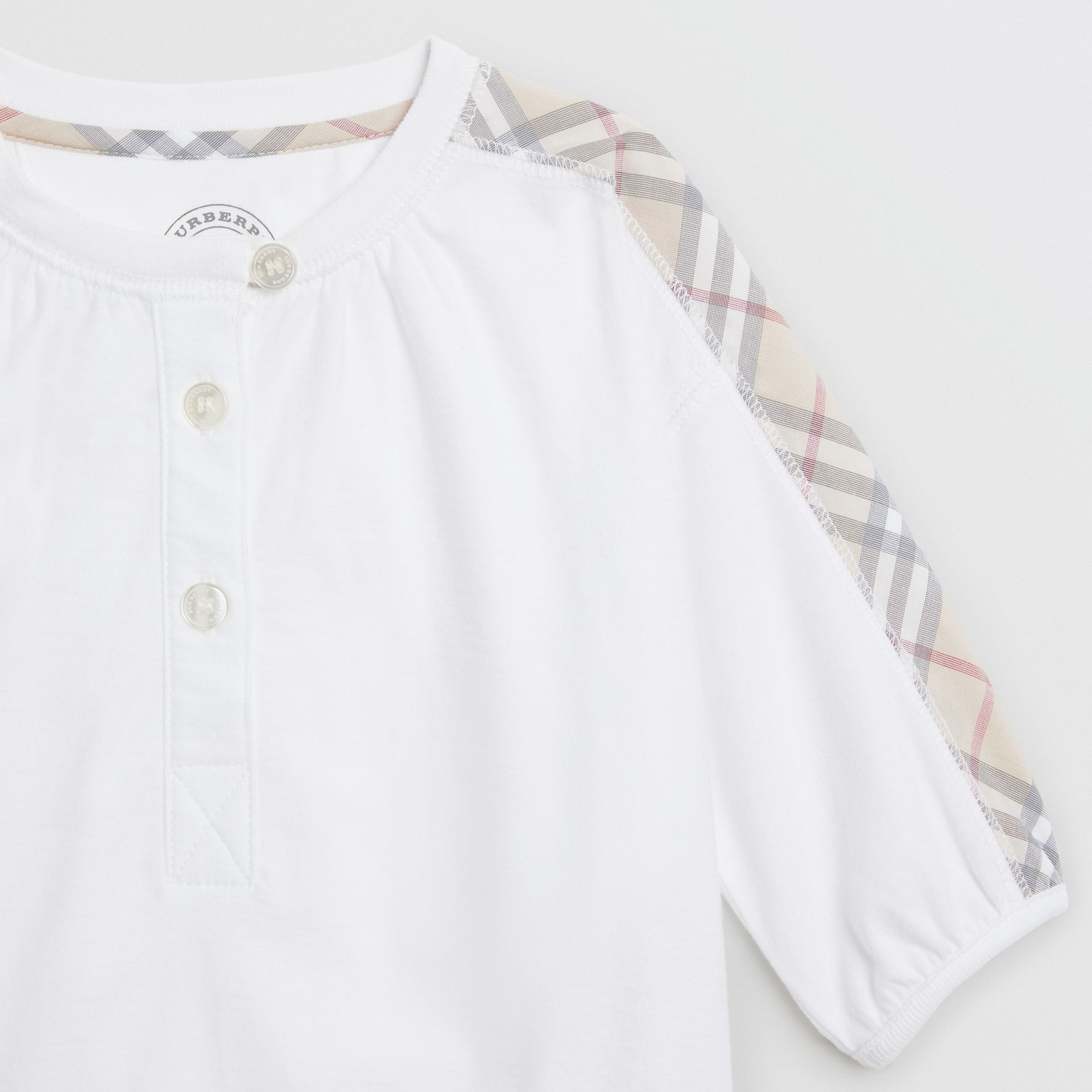 Check Cotton Three-piece Baby Gift Set in White - Children | Burberry United Kingdom - gallery image 4