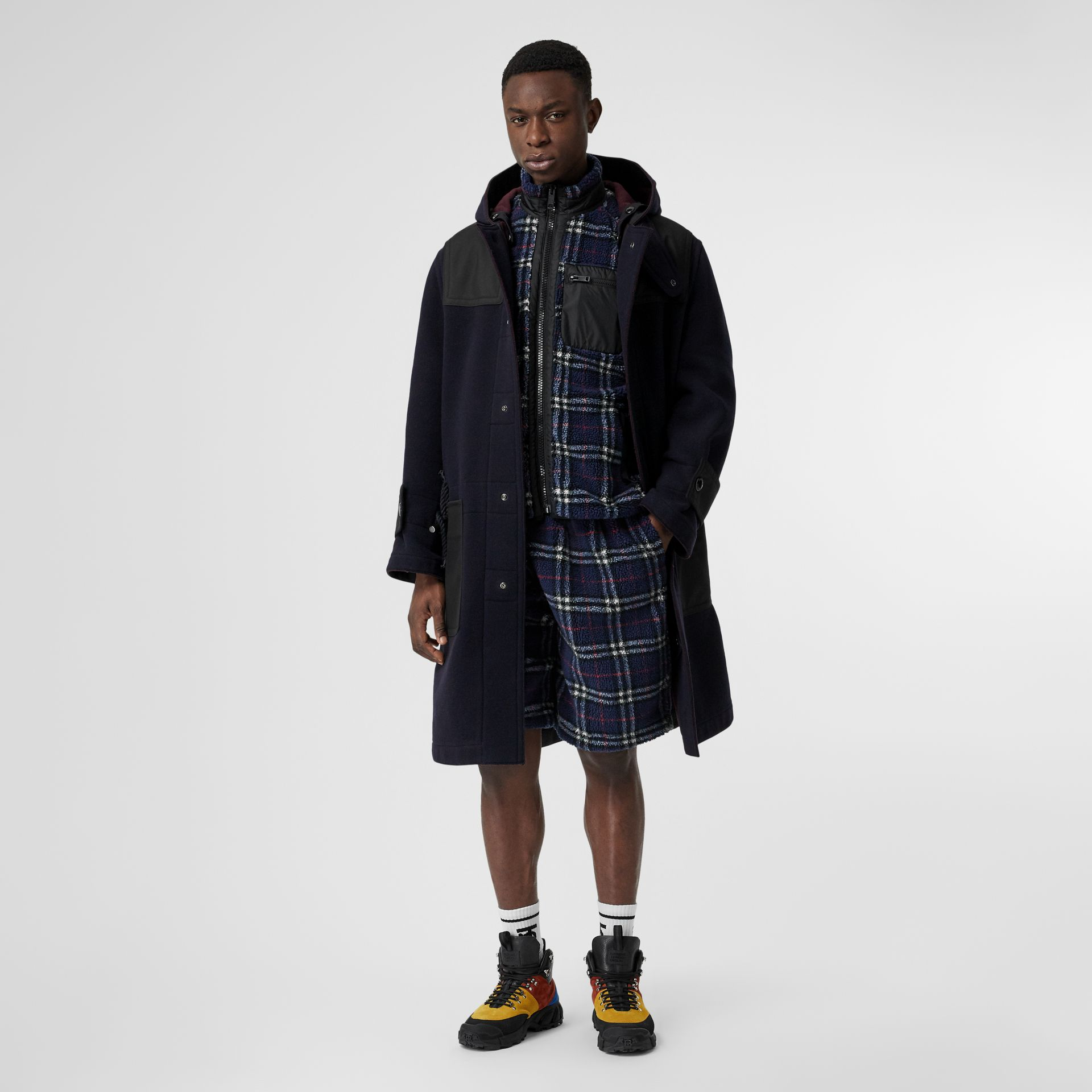 Vintage Check Faux Shearling Drawcord Shorts in Navy - Men | Burberry Canada - gallery image 0