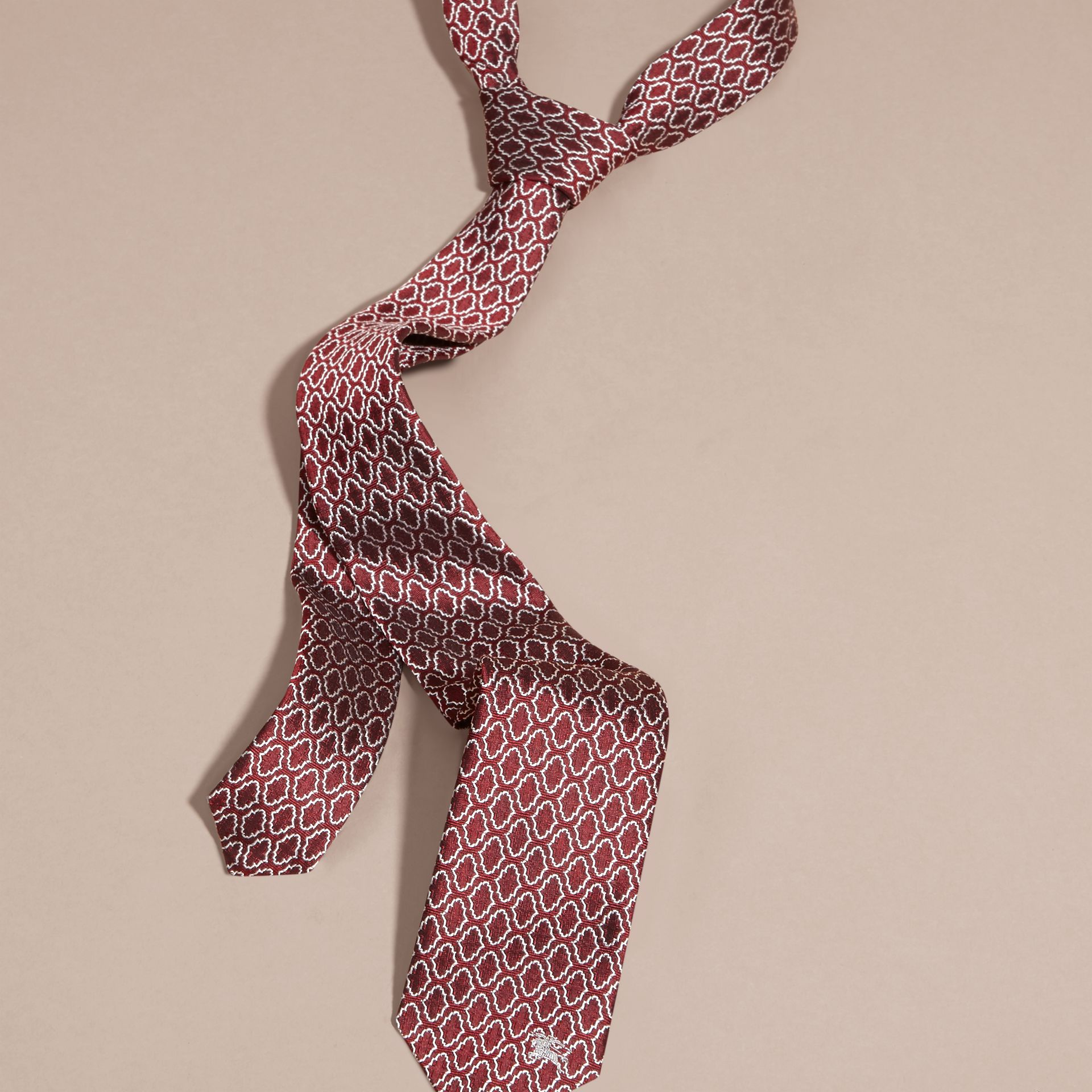 Parade red Slim Cut Geometric Jacquard Silk Tie Parade Red - gallery image 3