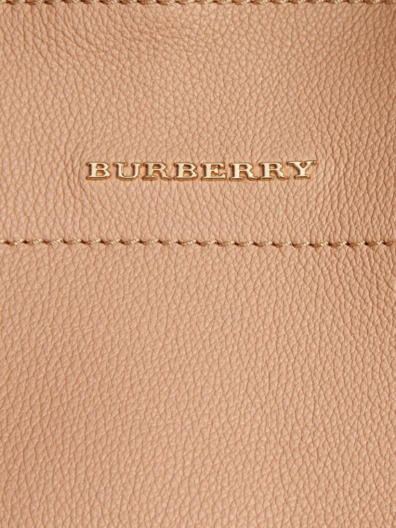 Pale apricot The Medium Milton in Grainy Leather Pale Apricot - cell image 2