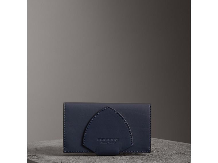 Equestrian Shield Two-tone Leather Continental Wallet in Mid Indigo - Women | Burberry United States - cell image 4