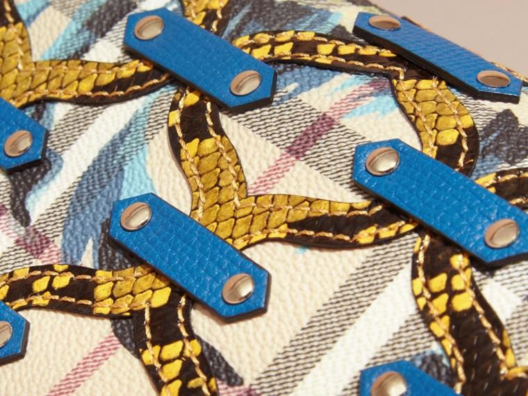 Amarelo alerce Carteira continental em Haymarket Check com estampa de peônias e apliques de píton Amarelo Alerce - cell image 1