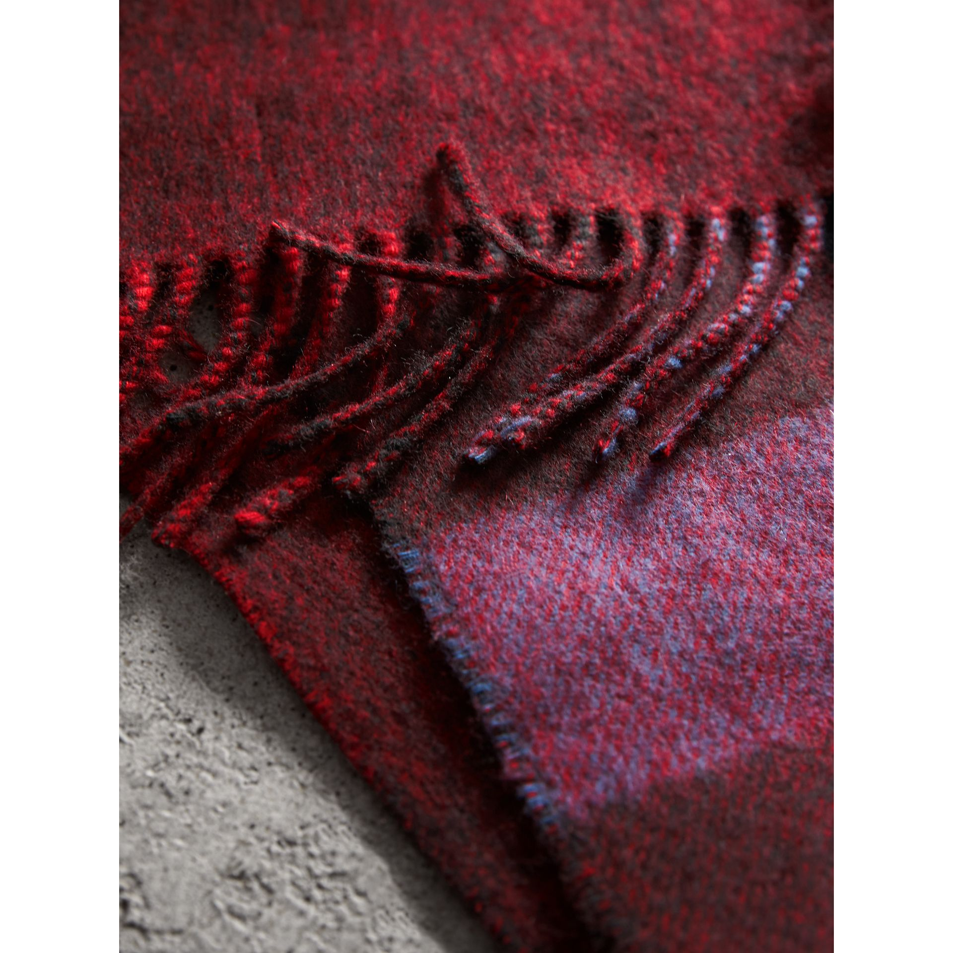 Reversible Check and Melange Cashmere Scarf in Parade Red | Burberry United States - gallery image 4