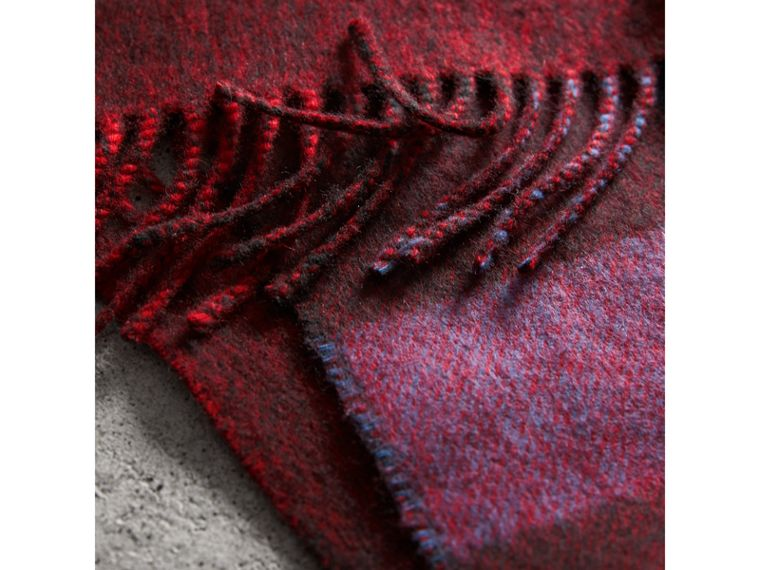 Reversible Check and Melange Cashmere Scarf in Parade Red | Burberry - cell image 4