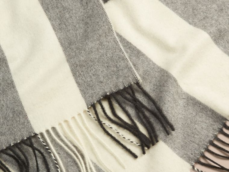 Check Cashmere Blanket in Natural White | Burberry - cell image 1
