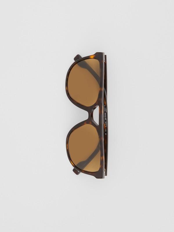 Navigator Sunglasses in Tortoiseshell - Men | Burberry United Kingdom - cell image 3