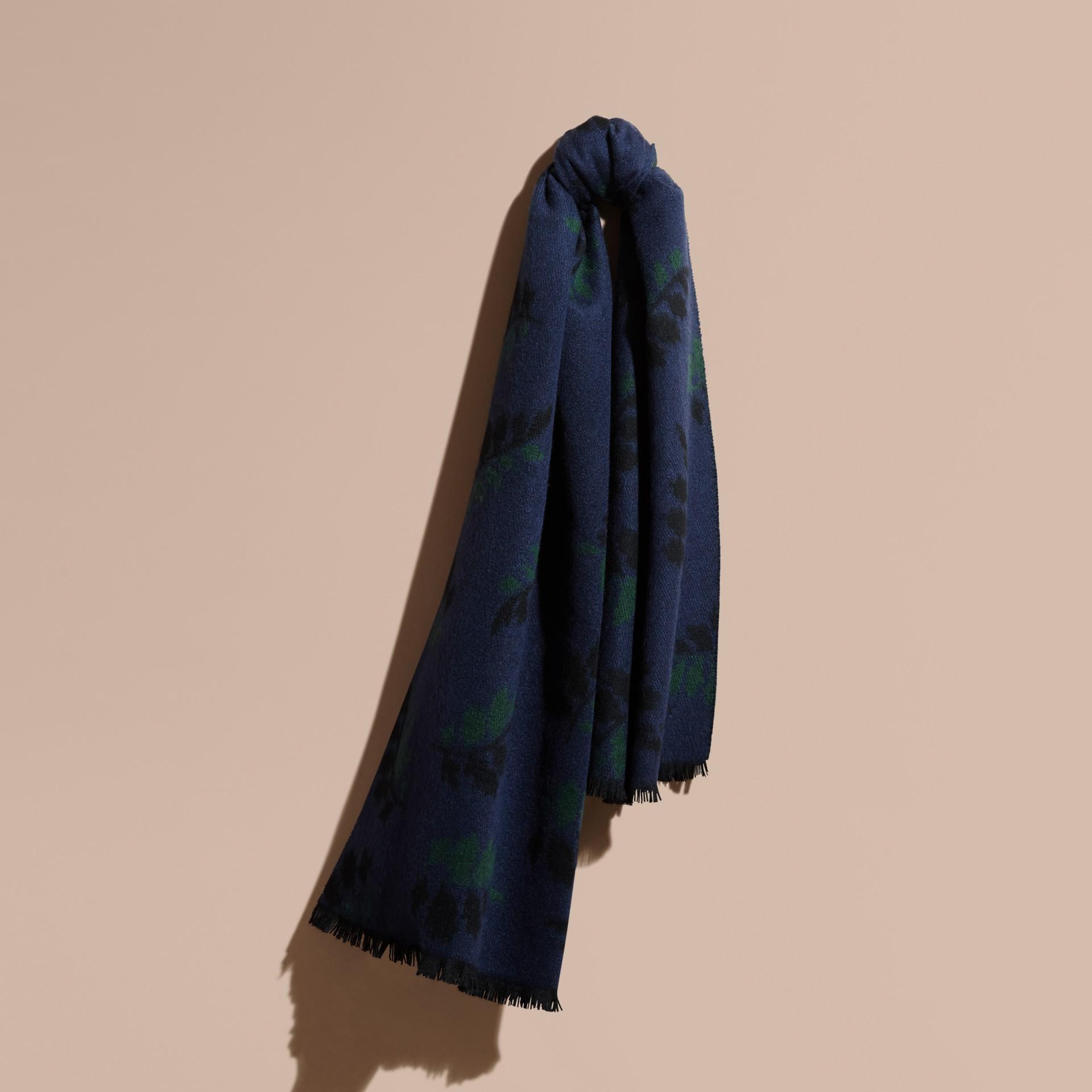 ネイビー リーフジャカード カシミアスカーフ ネイビー - ギャラリーイメージ 1