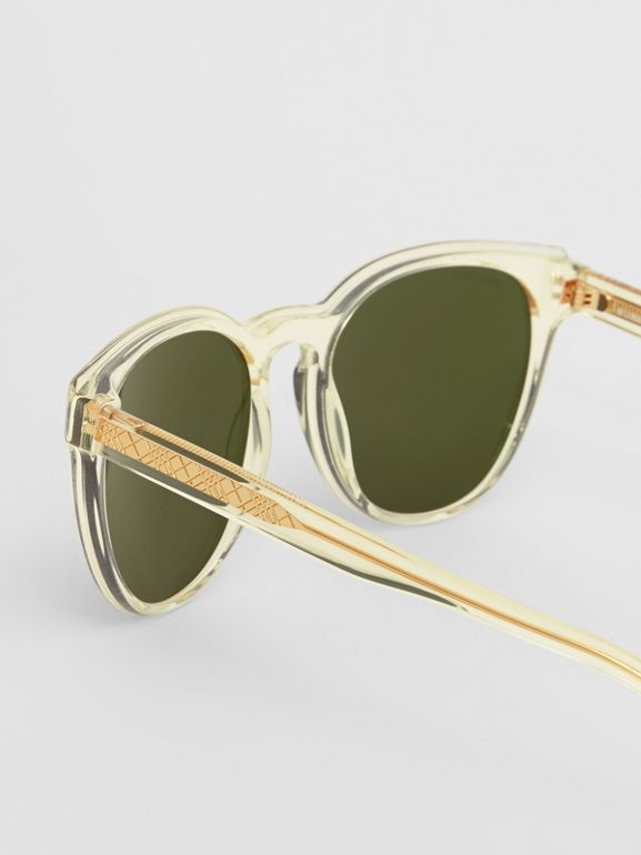 Round Frame Sunglasses in Pale Yellow - Men | Burberry Australia - cell image 1
