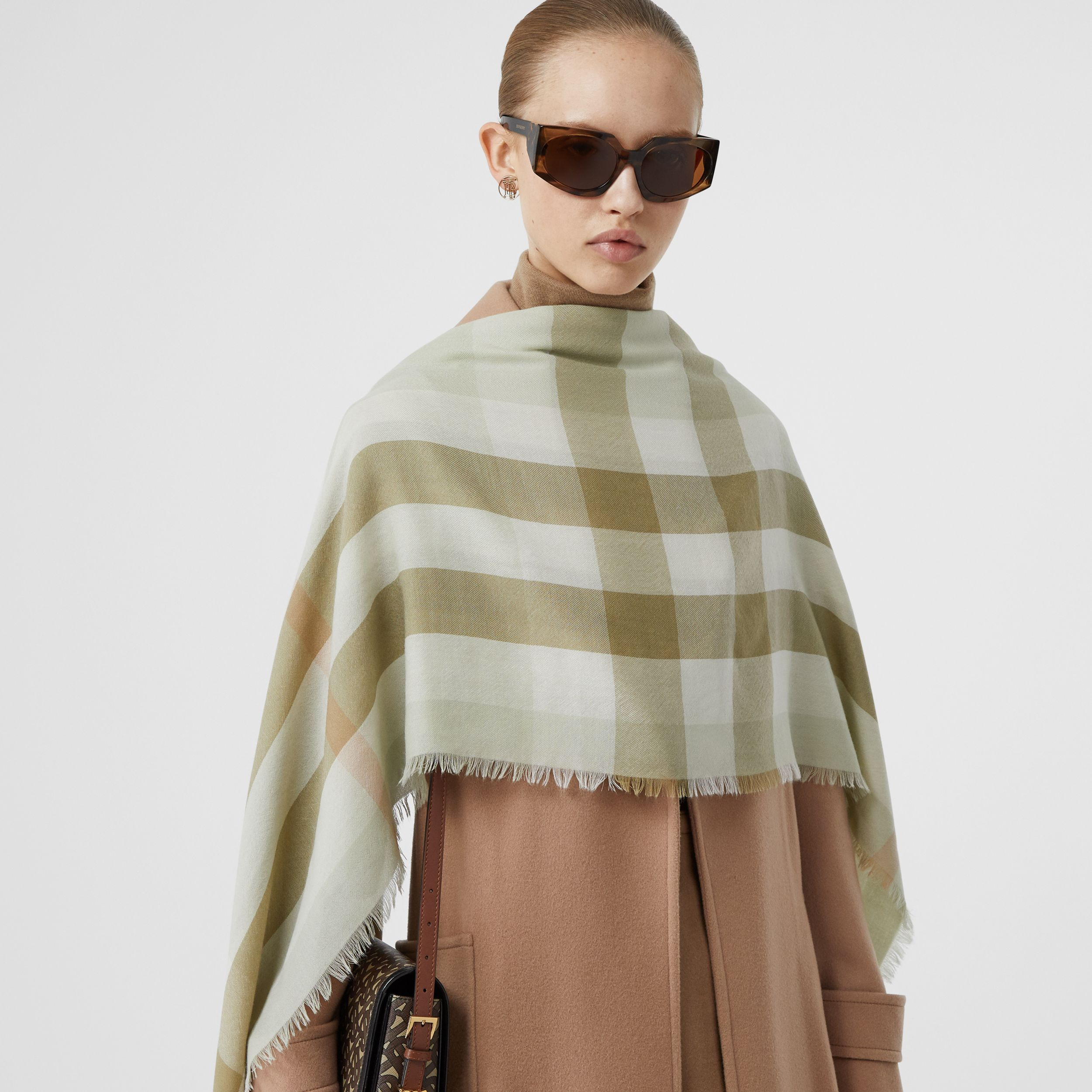 Lightweight Check Cashmere Scarf in Pale Apple Green | Burberry - 3
