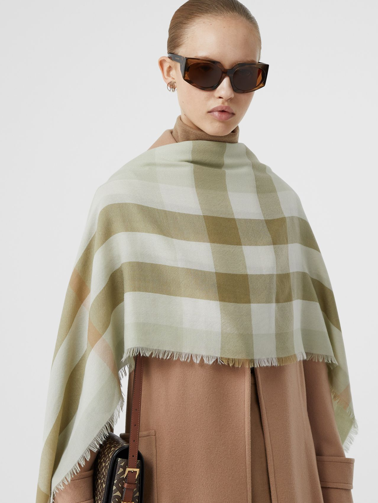 Lightweight Check Cashmere Scarf in Pale Apple Green