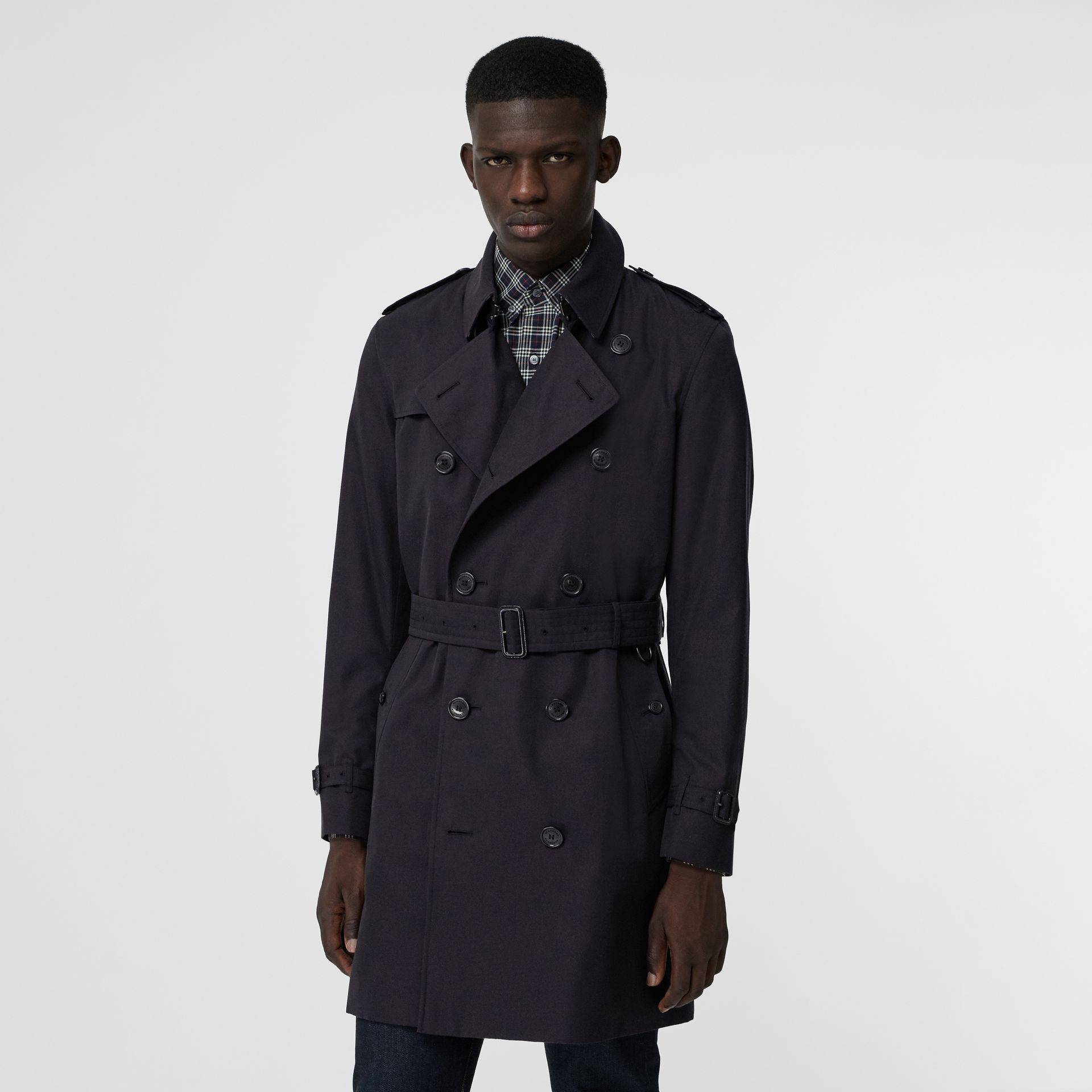 Archive Logo-lined Cotton Gabardine Trench Coat in Midnight - Men | Burberry Canada - gallery image 4