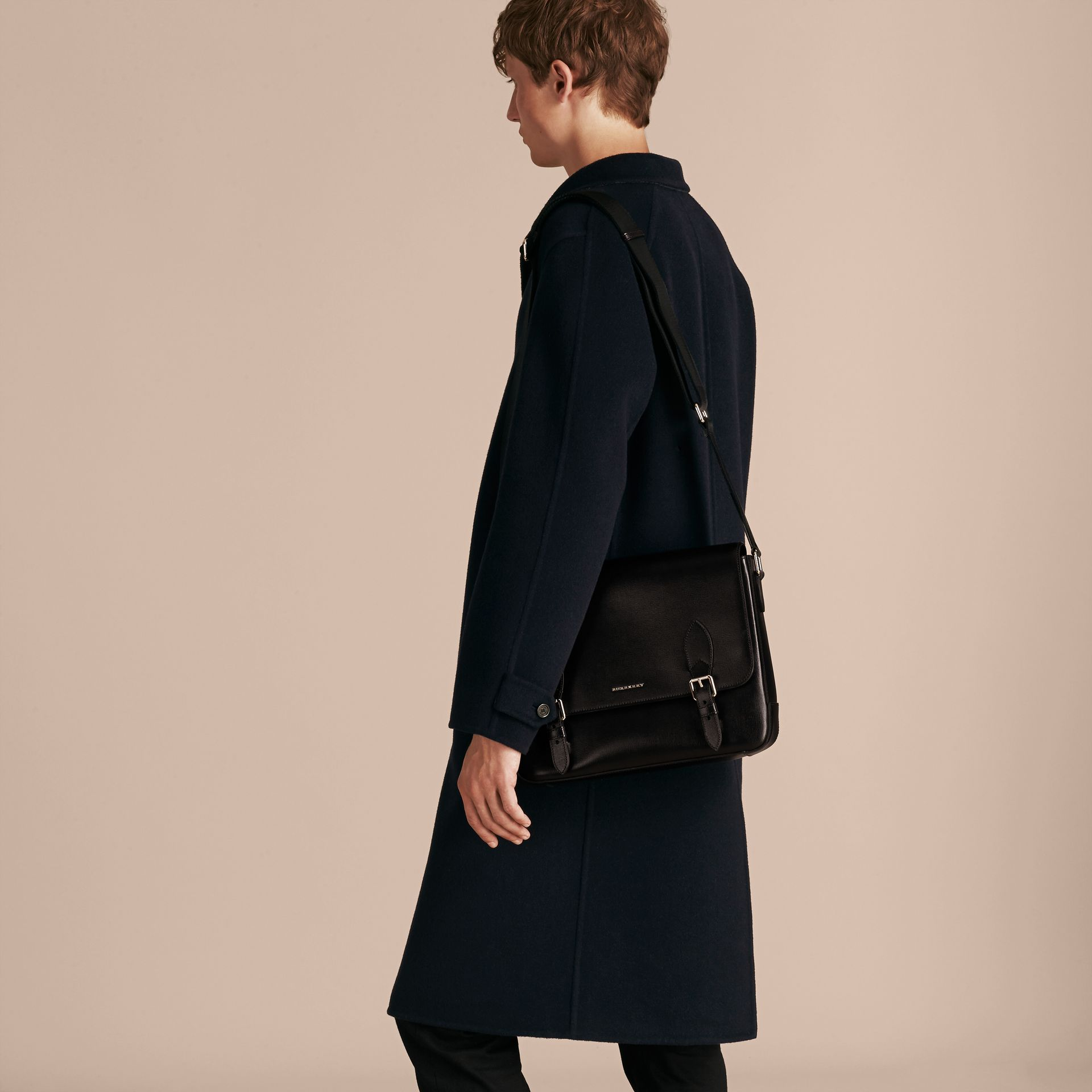 Medium London Leather Messenger Bag in Black - Men | Burberry Canada - gallery image 3
