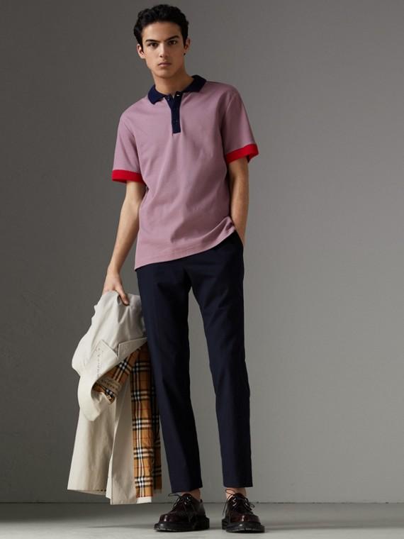 Camisa polo de algodão com detalhe listrado em dois tons (Rosa Urze)