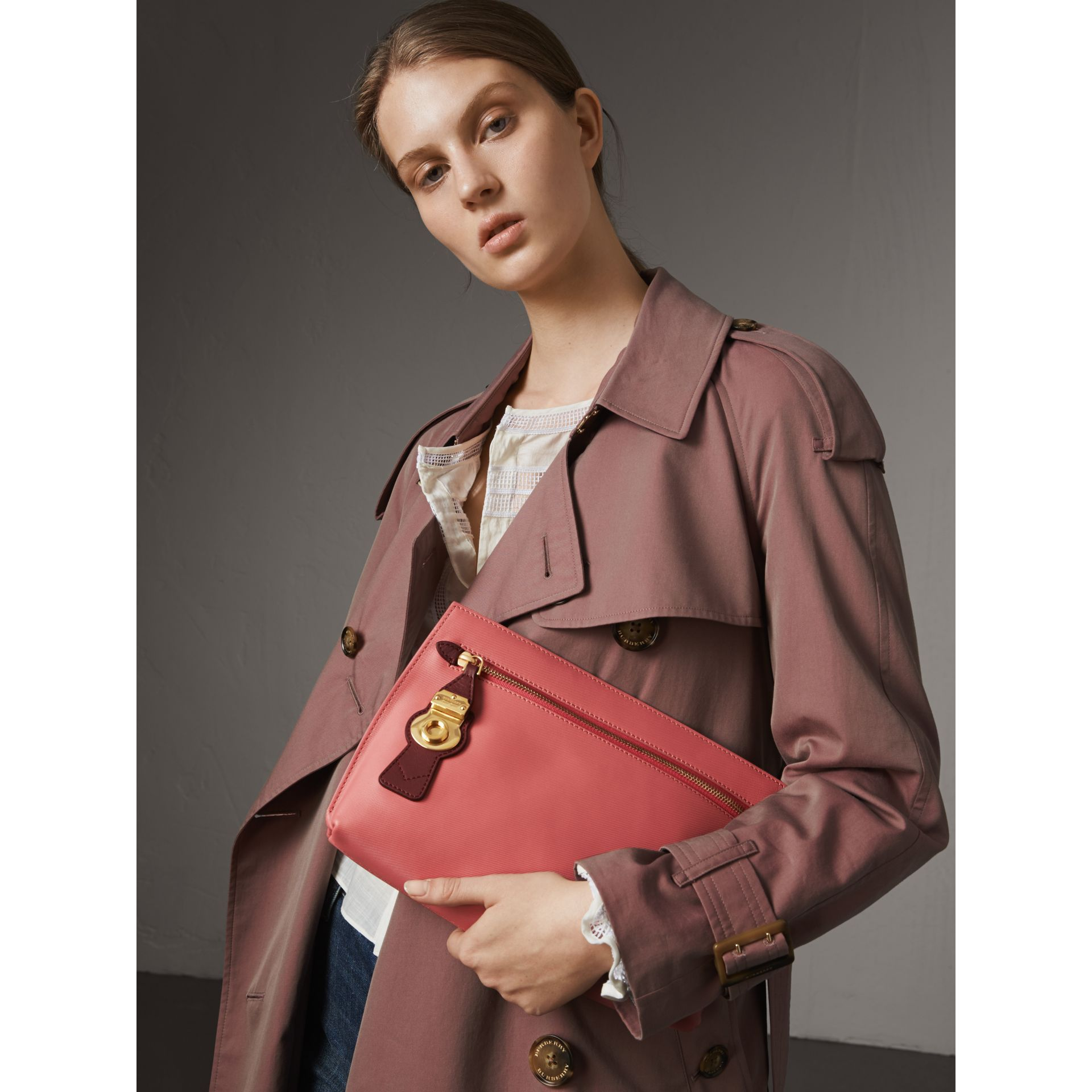 Two-tone Trench Leather Wristlet Pouch in Blossom Pink/antique Red - Women | Burberry United Kingdom - gallery image 3