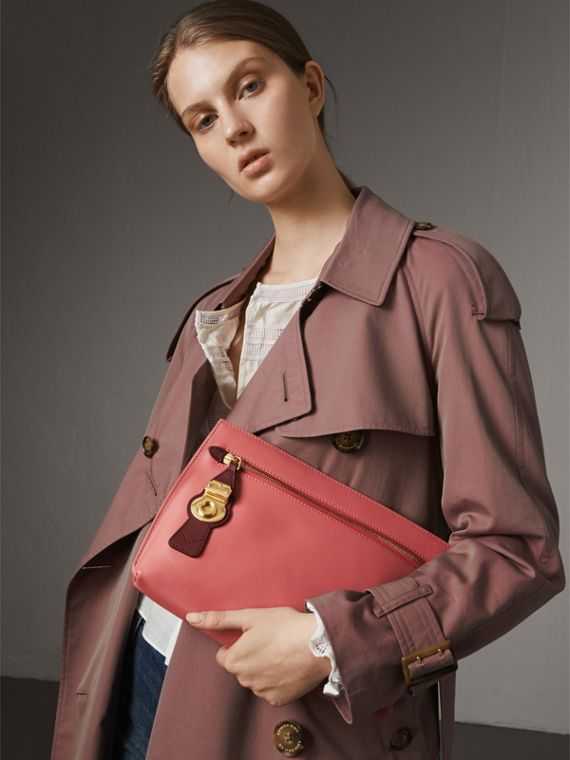 Two-tone Trench Leather Wristlet Pouch in Blossom Pink/antique Red - Women | Burberry United States - cell image 2