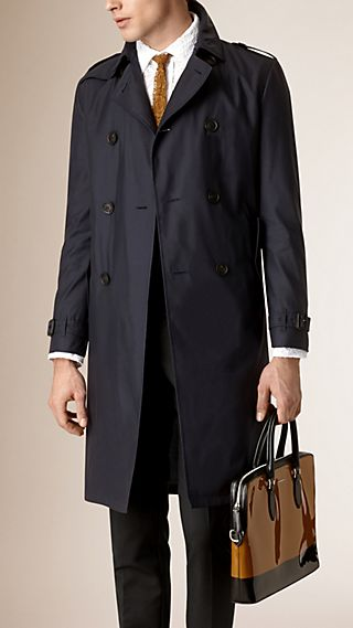 Trench coat leggero in seta e lana