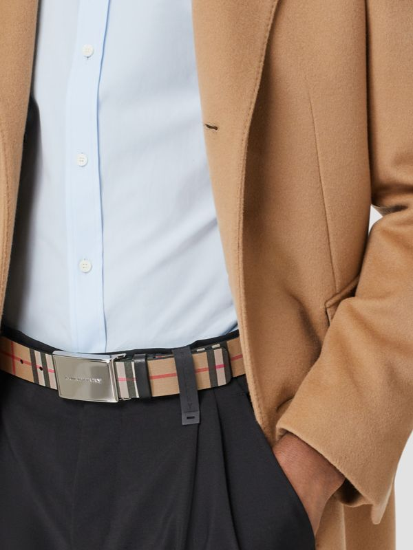 Plaque Buckle Vintage Check Leather Belt in Black - Men | Burberry Australia - cell image 2