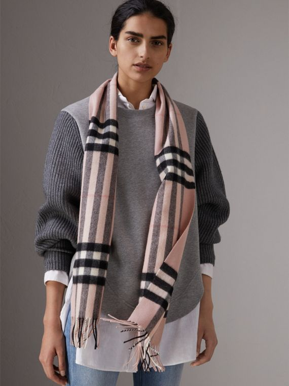 The Classic Check Cashmere Scarf in Ash Rose | Burberry Hong Kong - cell image 2