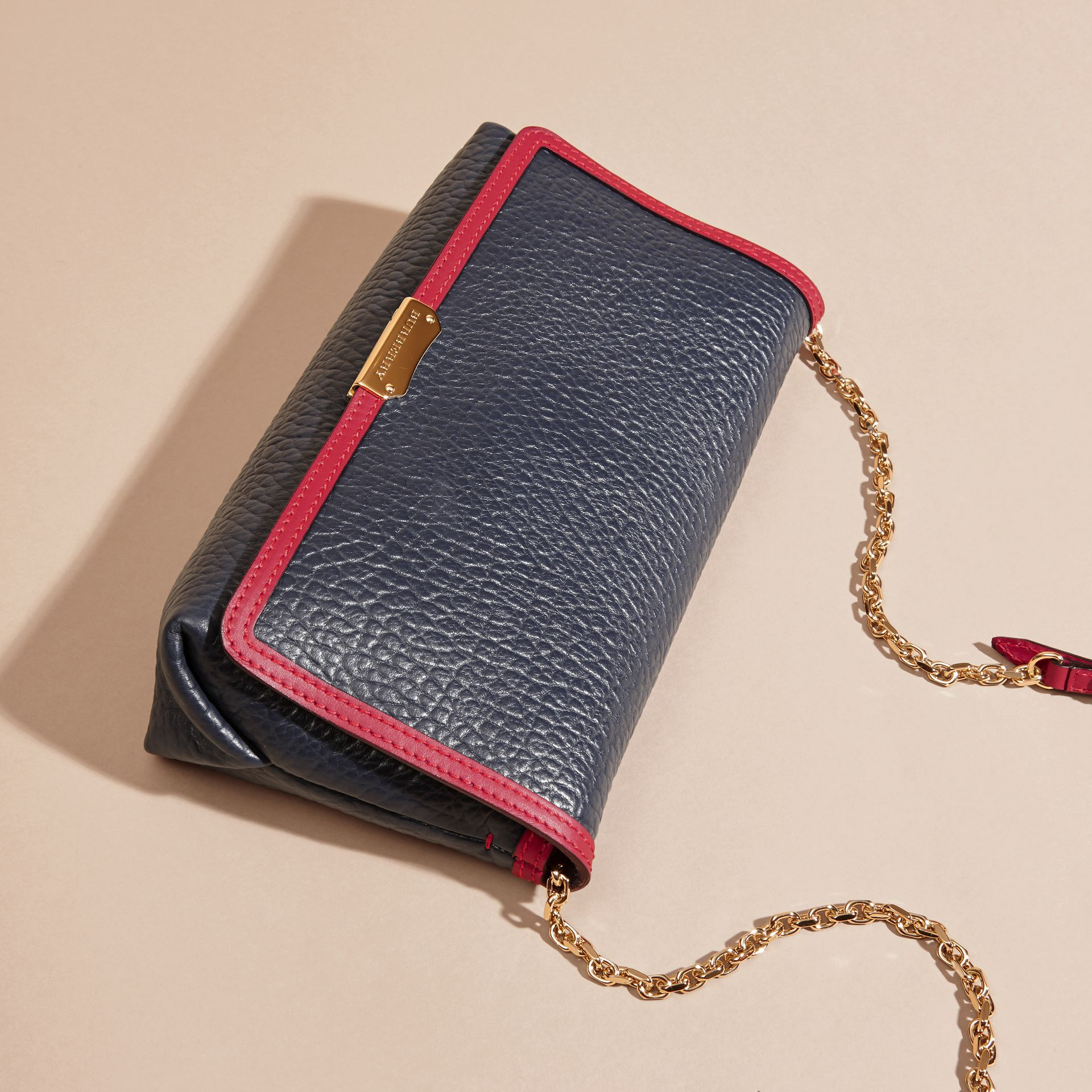Blue carbon/parade red Medium Contrast Border Signature Grain Leather Clutch Bag - gallery image 6