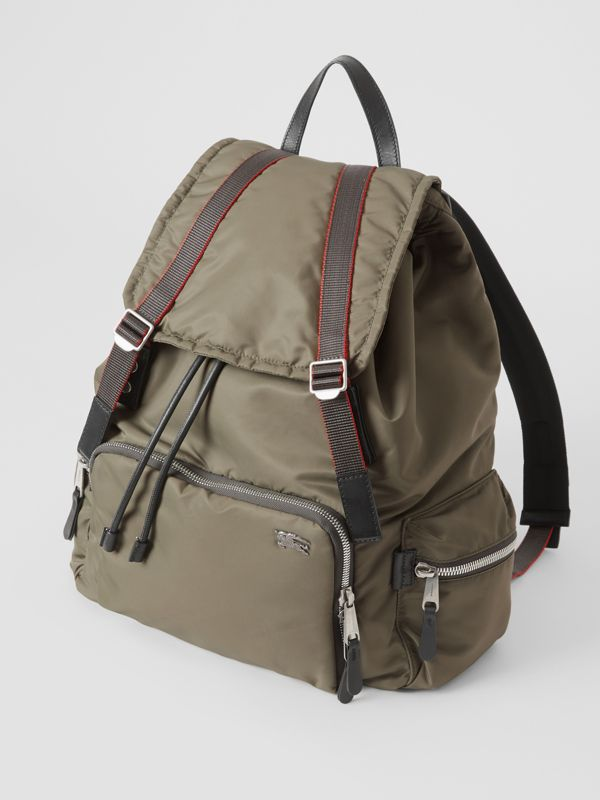 Zaino The Rucksack extra large in nylon stile aviatore (Celadon) - Uomo | Burberry - cell image 2