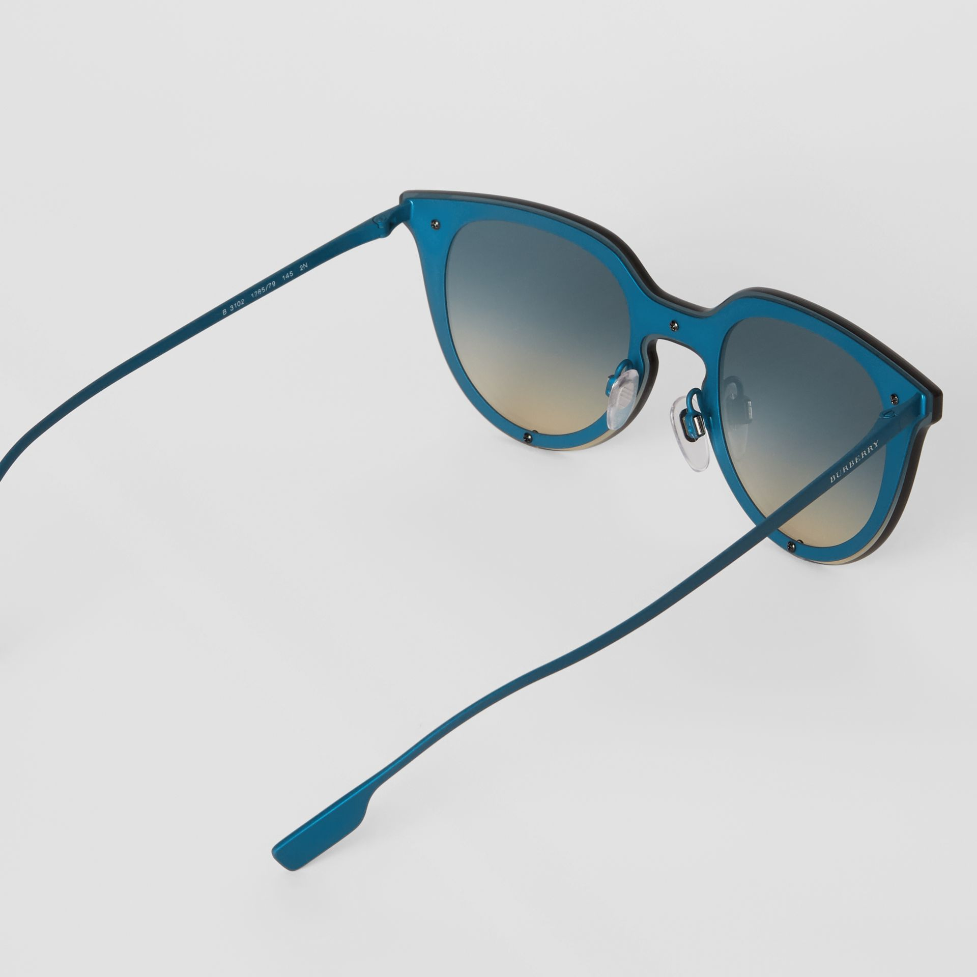 Keyhole Round Frame Shield Sunglasses in Blue - Women | Burberry - gallery image 4
