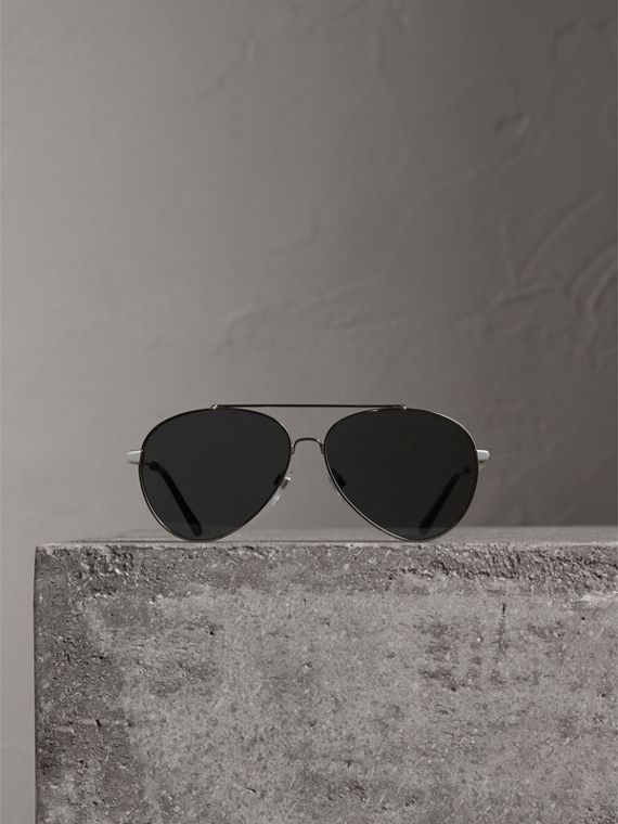 Check Detail Pilot Sunglasses in Black - Women | Burberry Singapore - cell image 3